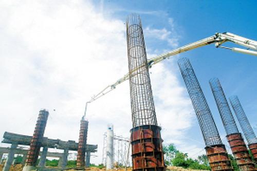 亚龙湾连接线工程已经完成路基清表5